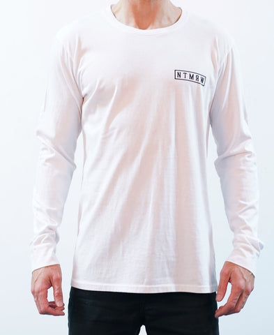 BASIC LONG SLEEVE TEE - WHITE