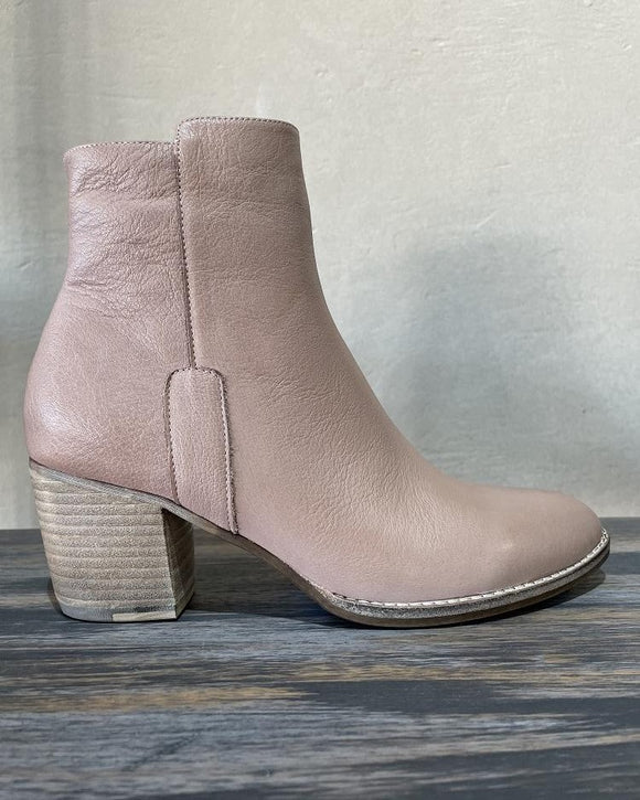 BRANDY leather ankle boots