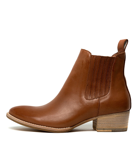 LEATTY leather ankle boots