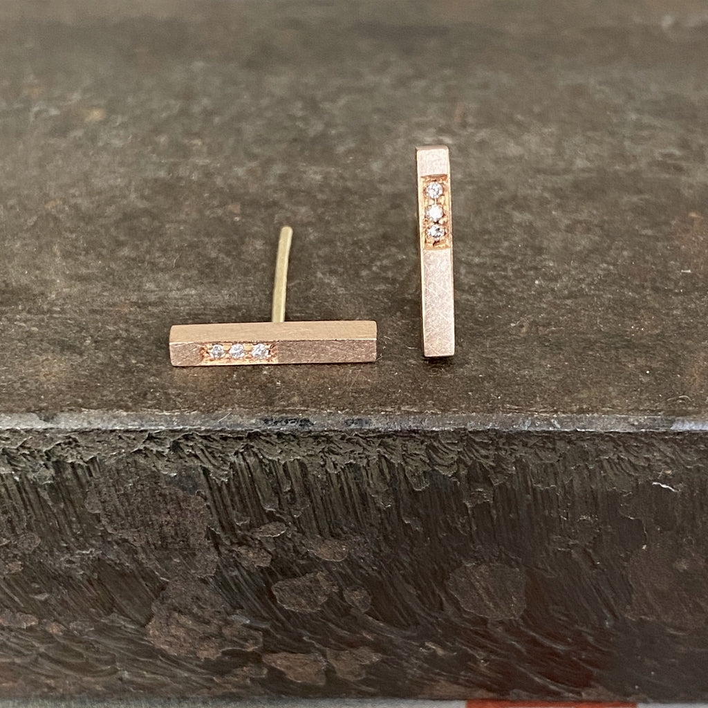 18ct Rose Gold Bar Studs