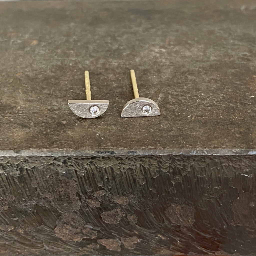 18ct White Gold Semi Circular Studs