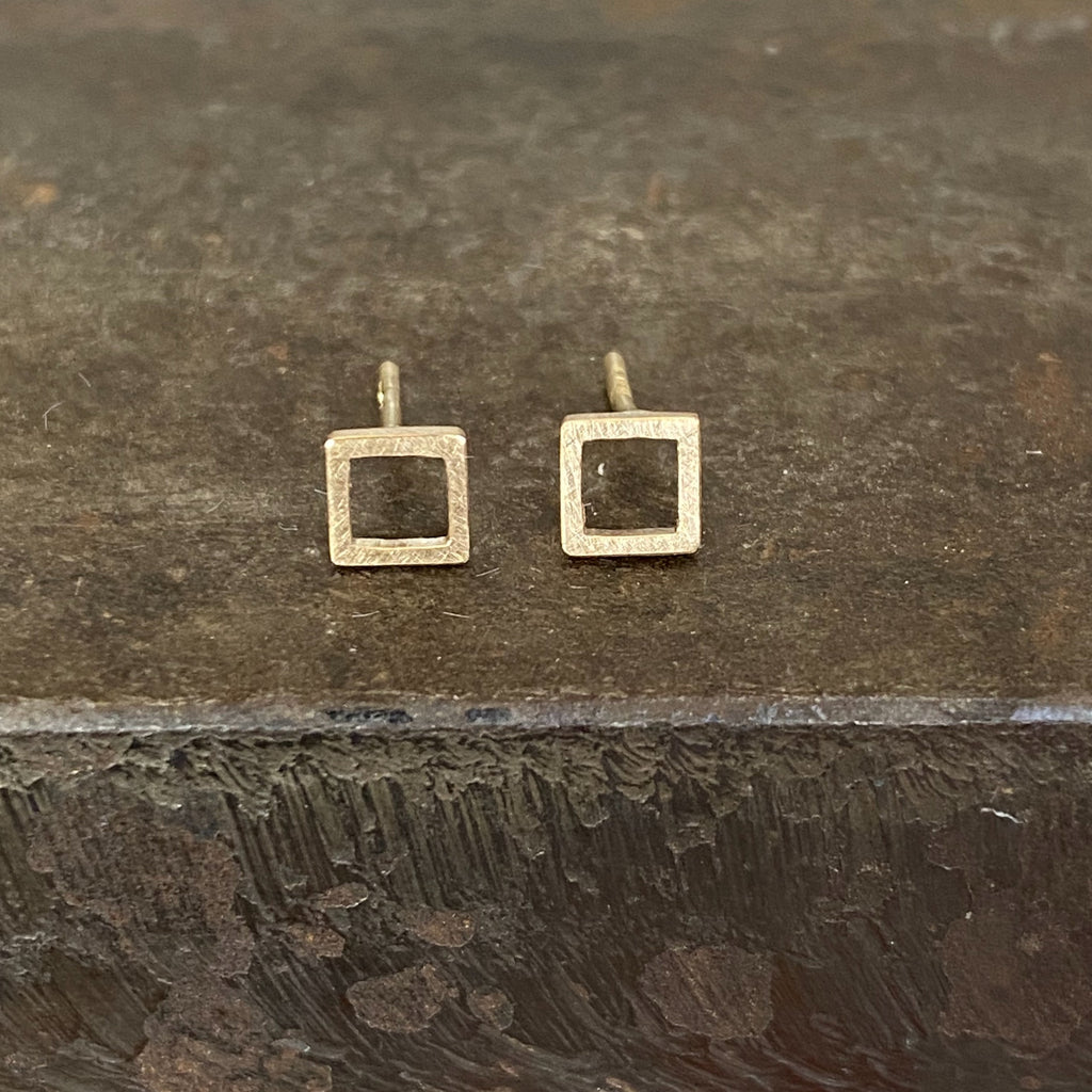 18ct Yellow Gold Square Studs