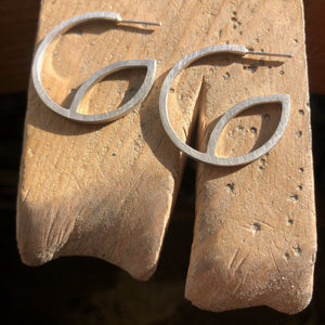 Silver Hoop Fine 'e' Earrings