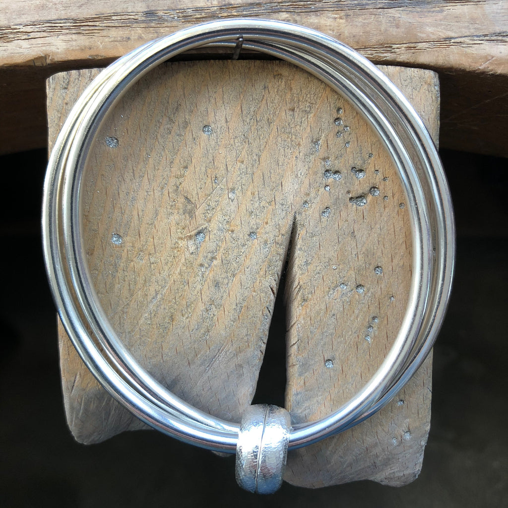 Double Bangle with twin elements