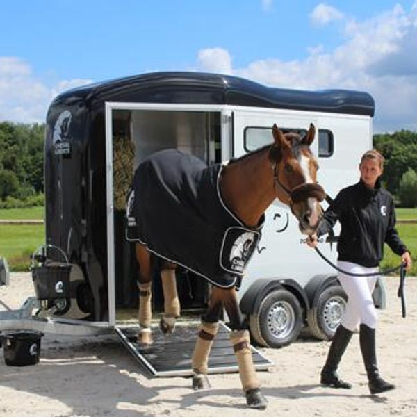 WIN!!! - CHEVAL LIBERTE DOUBLE HORSE TRAILER WITH TACK ROOM