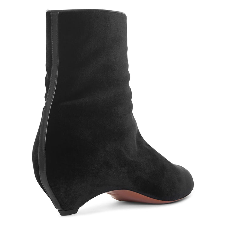 Black velvet pointed boots