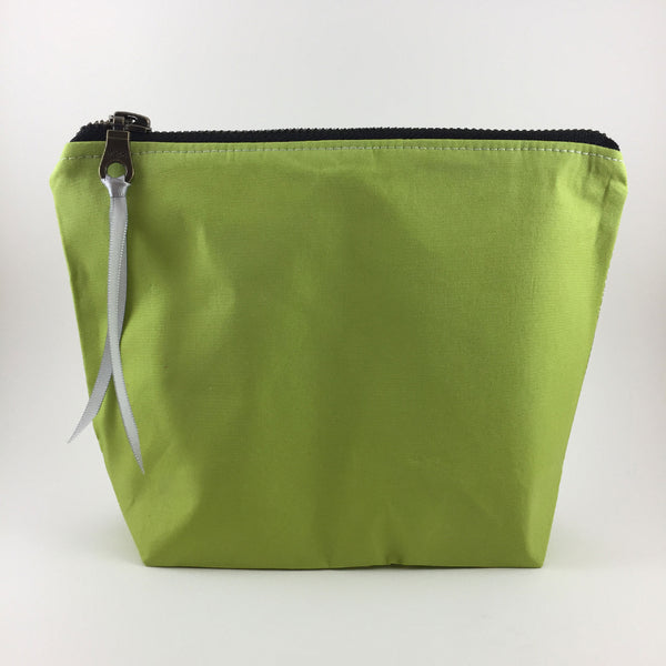 Handmade Zipper Travel Bag in Green Norway Design