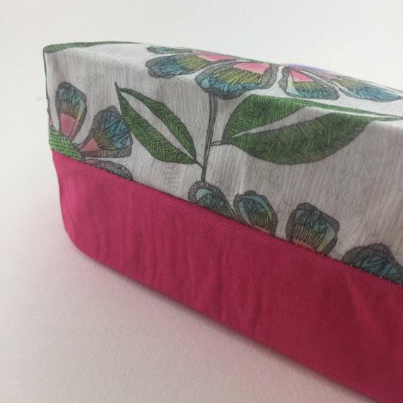 Pretty floral cosmetic bag