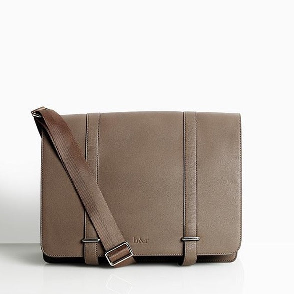 Bow & Rattle Trenier Changing Bag (Unisex) - Mink Brown