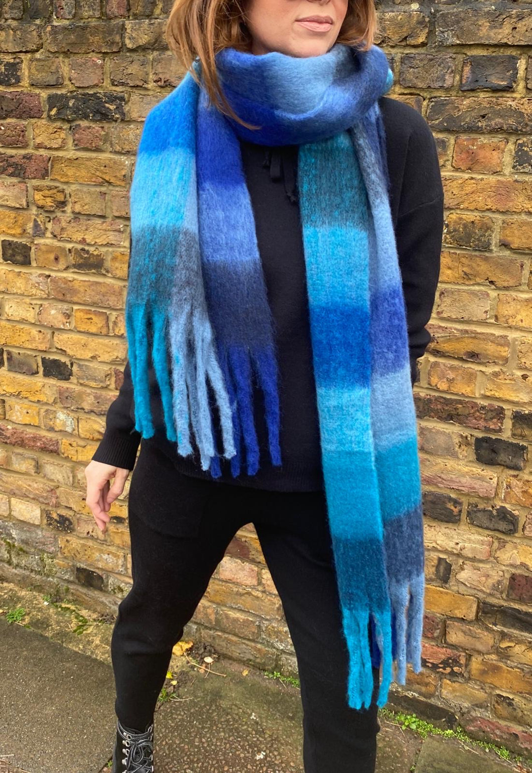 'Lennie' Checked Scarf in Blue