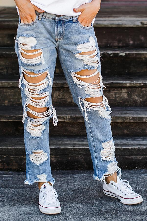On-trend Ripped Straight Jeans