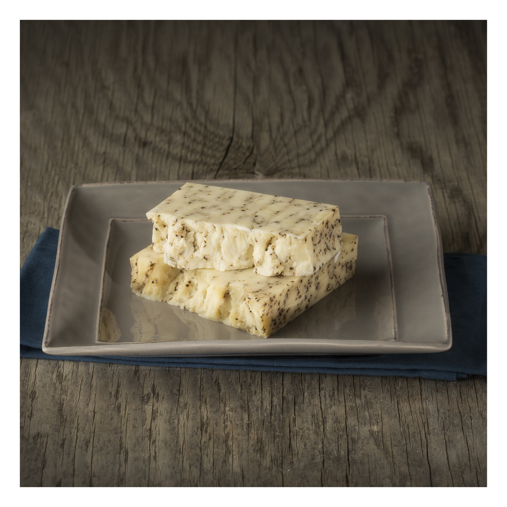 Load image into Gallery viewer, Local Cheddar Block | 200 G | Peppercorn - Fresh Village Farms