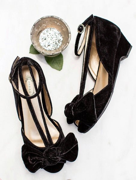 Joyfolie Black Kitten Heel Shoe