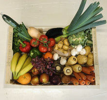 Load image into Gallery viewer, Fresh Fruit + Veg + Salad Box