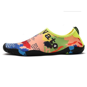 2020 New Unisex Sneakers Swimming Water shoes Couple Beach Shoes Swimming Shoes Water Shoes Barefoot Quick Dry Aqua Shoes