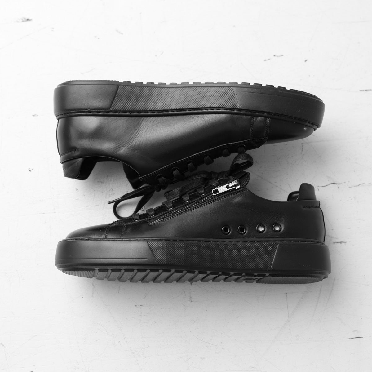 Leather Contrast Zipper Sneaker - Black