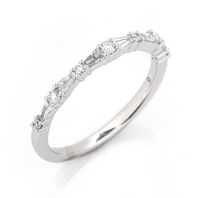 Round and Tapered Baguette Diamond Ring 2