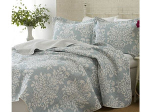 Adela Blue Quilt Set
