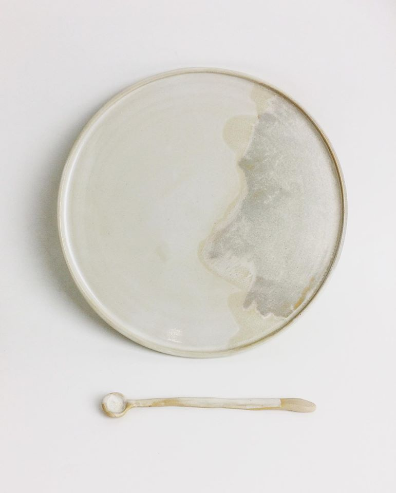 2er-Set: Breakfast- & Dinner Plate in Stone Creme - O I A  ceramics