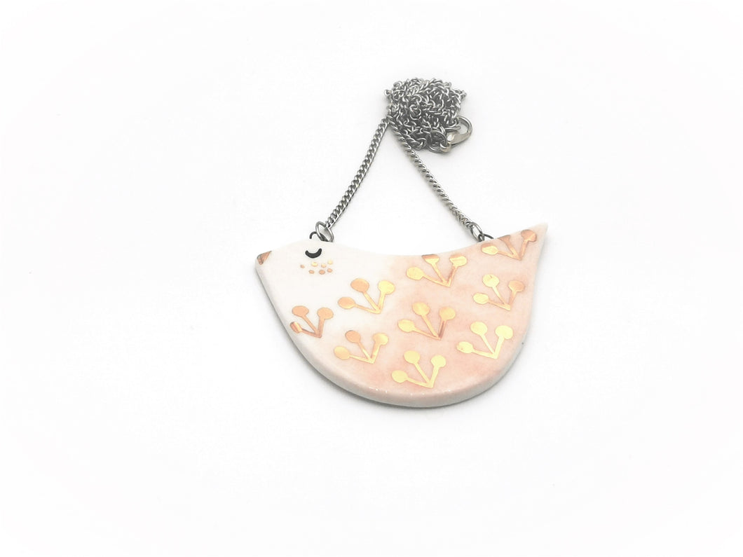 Birdie Necklace in Peach with Golden Details - O I A  ceramics