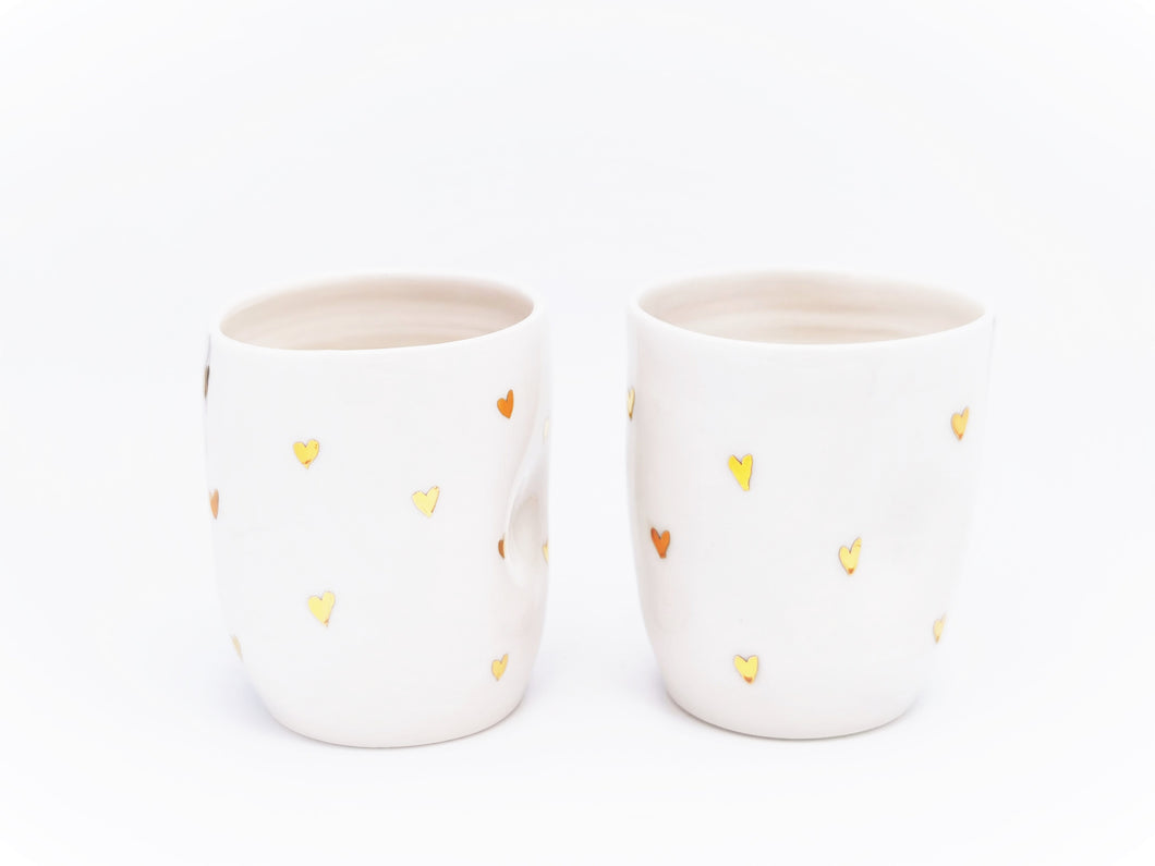 2er-Set Cappuccino Lovers Hearth Cups, 2.0 dl in Pure White with golden Hearth Details - O I A  ceramics