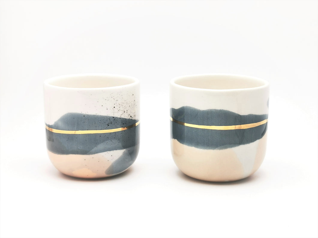 2er-Set Cappuccino Cups, 2.0 dl in Denim Blue & Dusty Pink with Golden Lining - O I A  ceramics