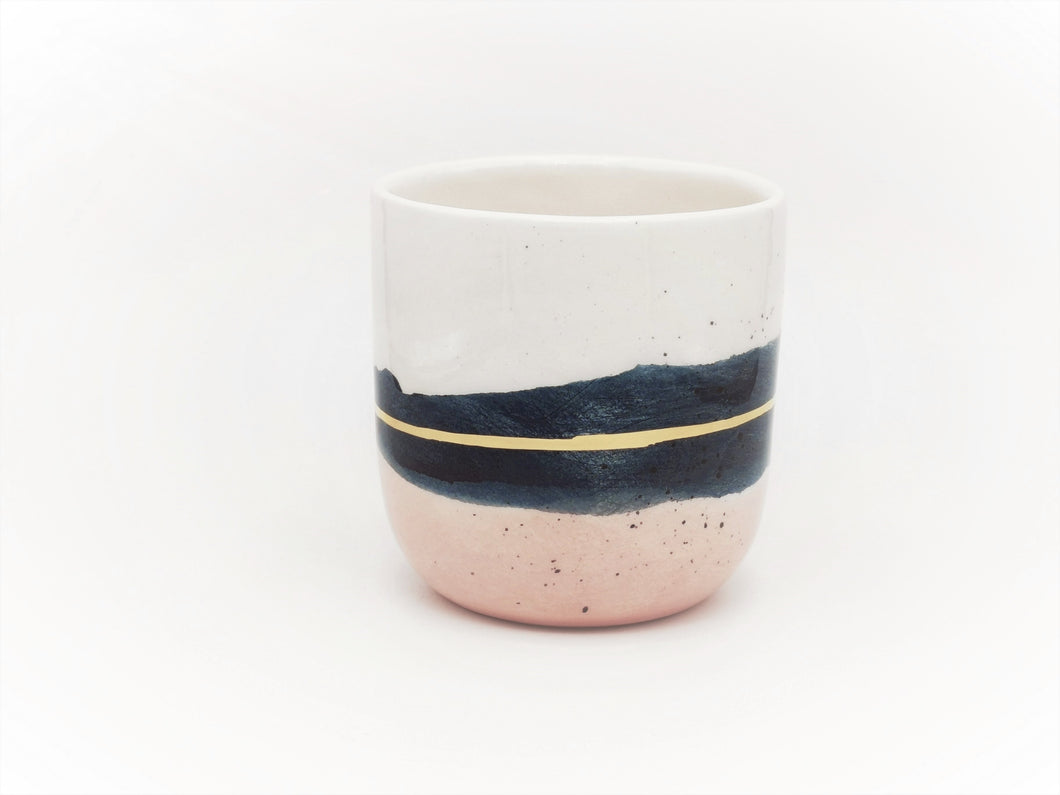 1 x Single Latte Cup, 4.0 dl in Midnight Blue & Blush with Golden Lining, 4.0 dl - O I A  ceramics