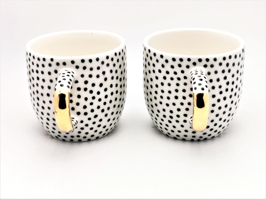 2er-Set Cappuccino Cups, 2.5 dl with Black Dots and Golden Handle - O I A  ceramics