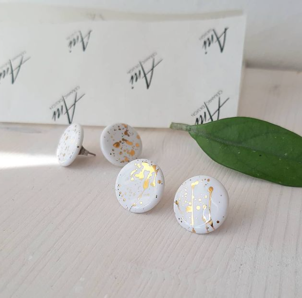 Circle Earrings in White & Speckled Gold - O I A  ceramics