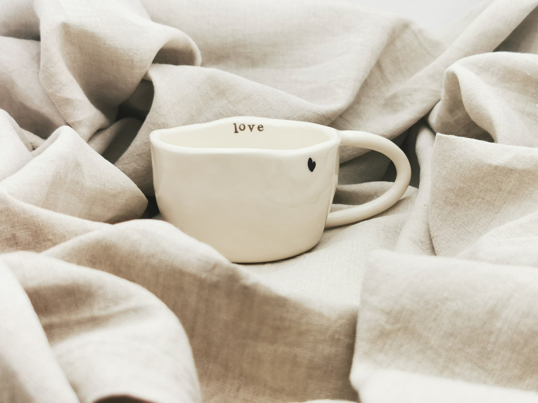 Pinch Cup - love (heart) - Cappuccino & Tea Cup, ca. 2.5 dl - O I A  ceramics