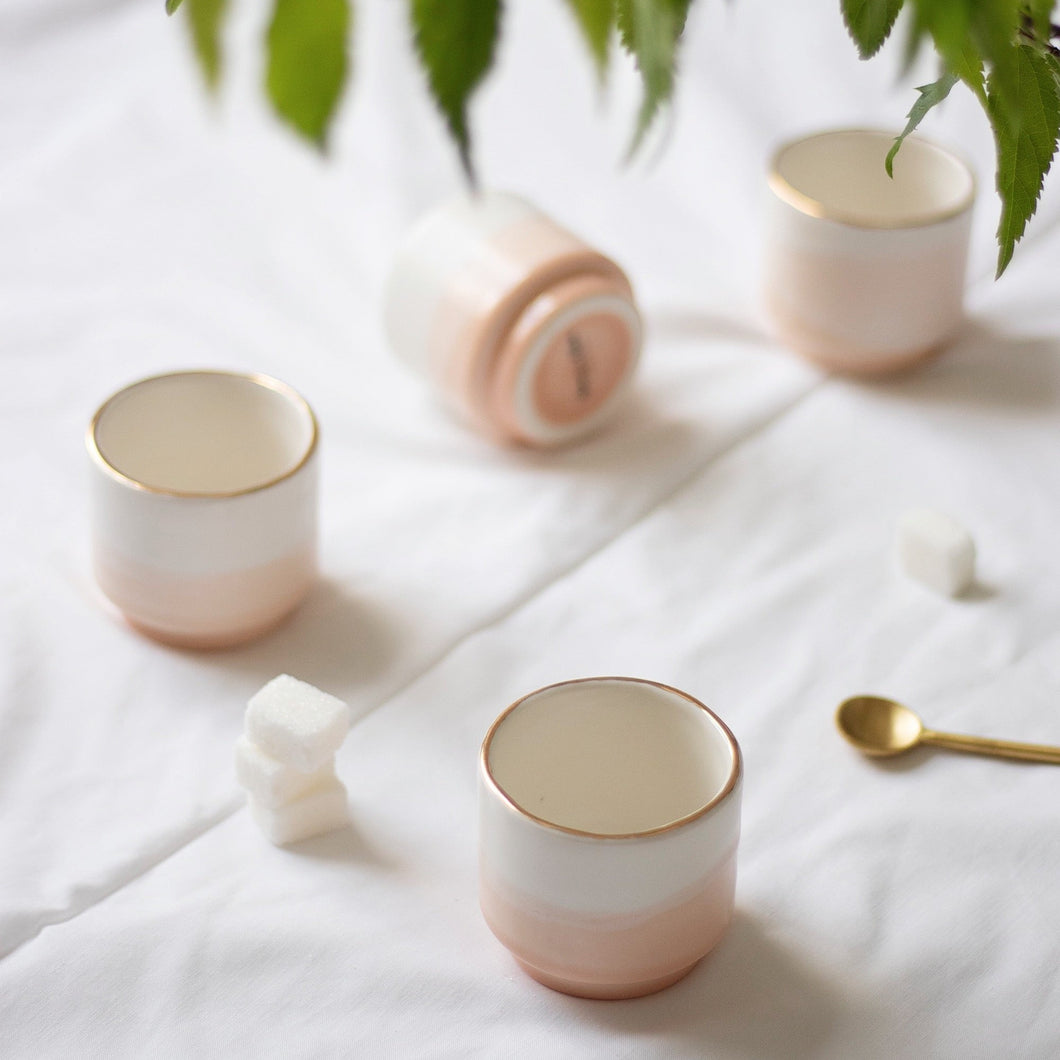 2er-Set Espresso Cups, 0.8 dl in White & Peach-Pink with Golden Rim - O I A  ceramics