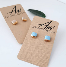 Laden Sie das Bild in den Galerie-Viewer, Square Earring in Aqua with Golden Lining - O I A  ceramics