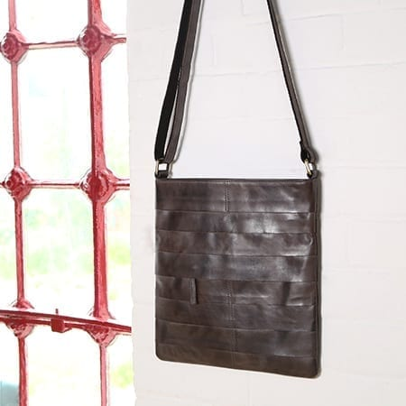 LEATHER BAGS FOR MEN & WOMEN