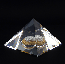 Laden Sie das Bild in den Galerie-Viewer, Diamantpyramide - Gold & Silber - 6 Karat