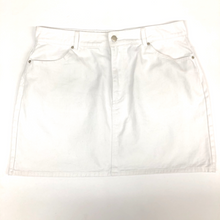 Load image into Gallery viewer, Forever 21 Short Skirt Size 2XL