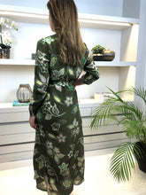 Load image into Gallery viewer, Long Sleeved Dress with Split