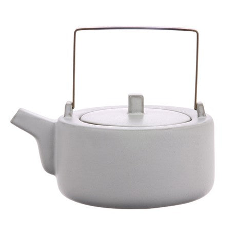 Ceramic tea pot of 850 ml, colour white