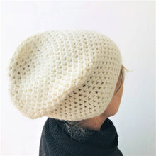 Load image into Gallery viewer, Beanie crochet hat, colour cream
