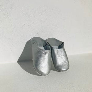 Soft leather slippers in silver