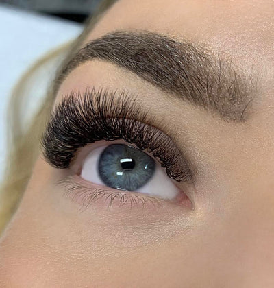 PAULINA ZIELINSKA - LONDON LASH TRAINER LEEDS
