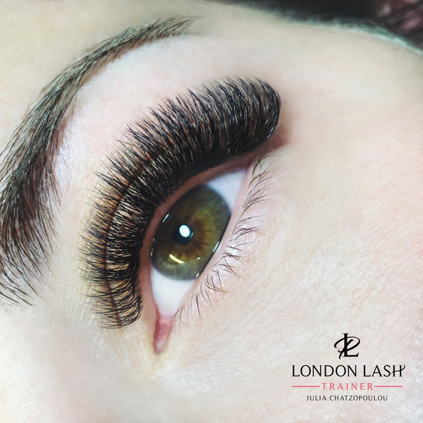 Julia chatzopoulou london lash trainer greece products for Spa uniform norge