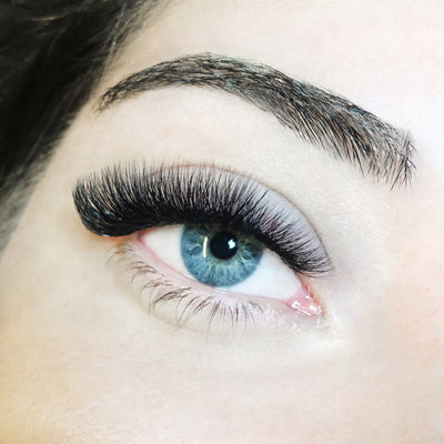 Julia Chatzopoulou - London Lash Trainer Greece