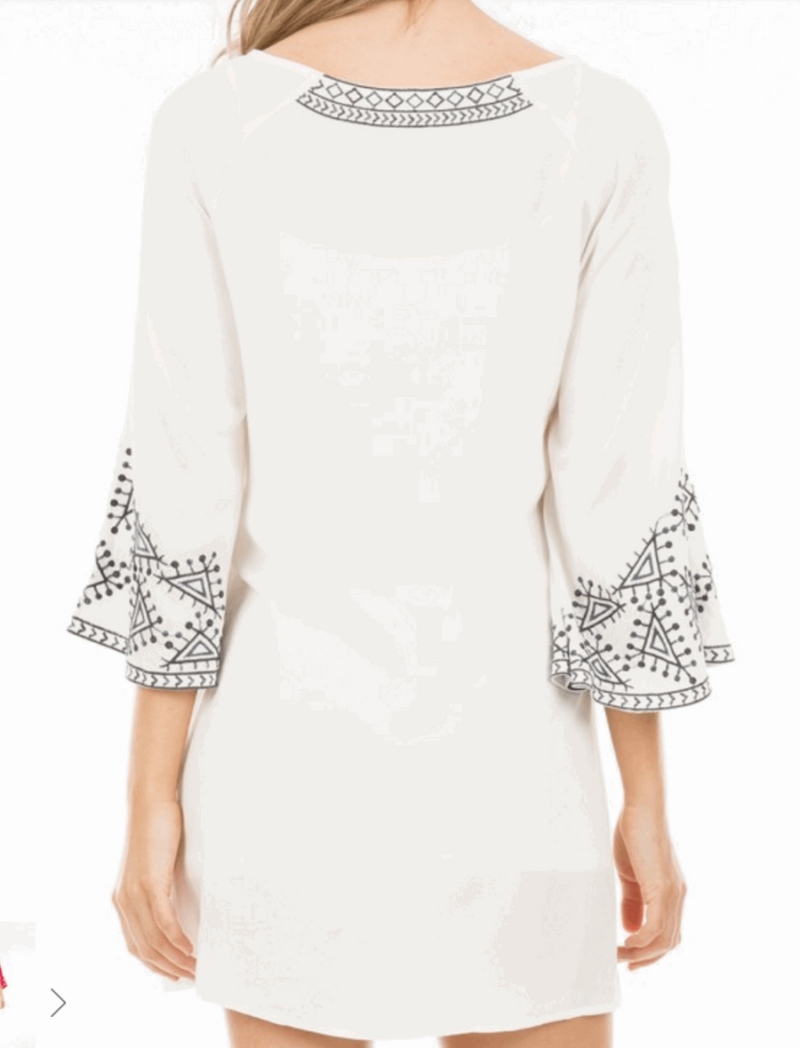 Embroidered Dress with 3/4 Bell Sleeves in Off White from Monoreno | Beauty Cafe - 4