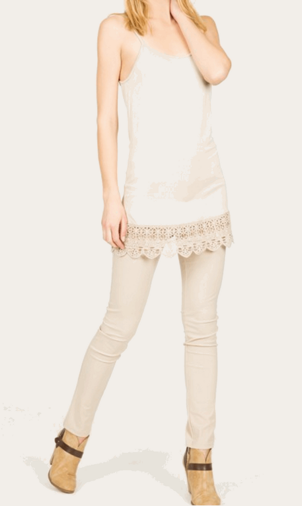 Camisole with Crochet Hemline in Cream from Monoreno | Beauty Cafe - 5