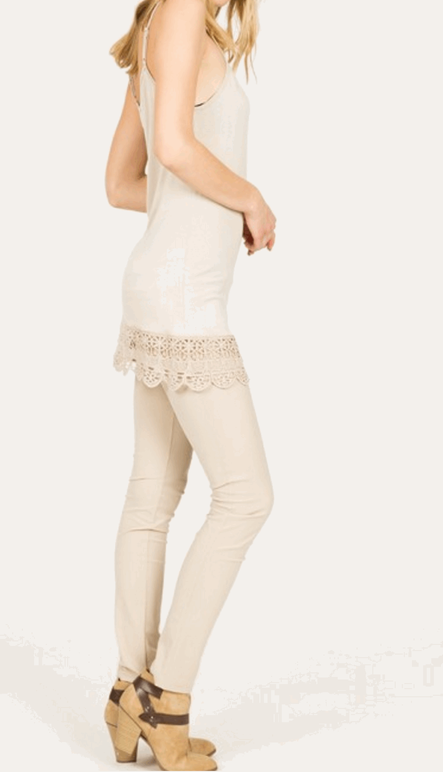 Camisole with Crochet Hemline in Cream from Monoreno | Beauty Cafe - 6