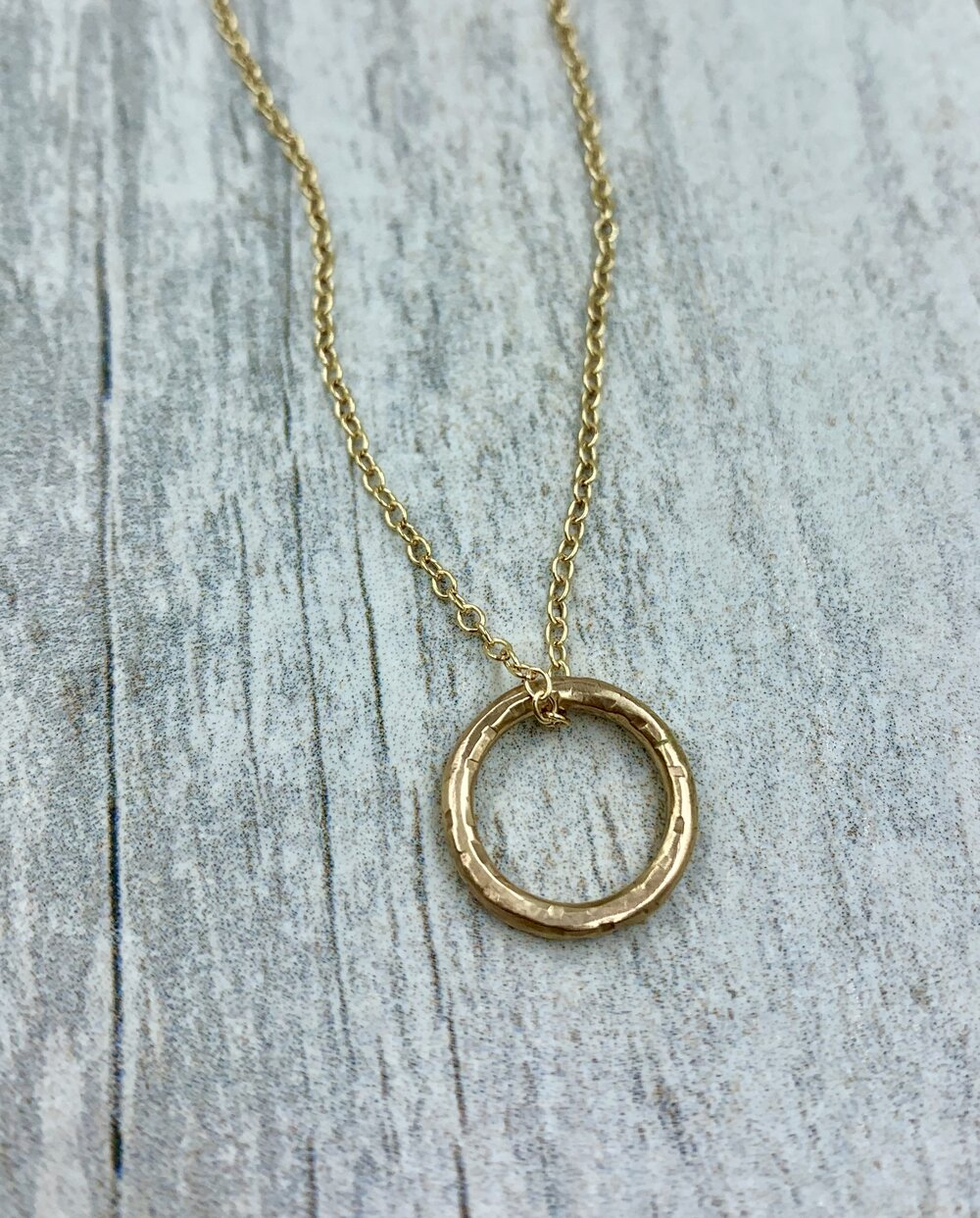 Gold Circle pendent necklace, delicate gold necklace, hammered gold ring, rustic elegant jewerly, gold ring, handmade
