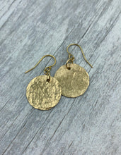 Load image into Gallery viewer, Hammered Gold Disc Earrings