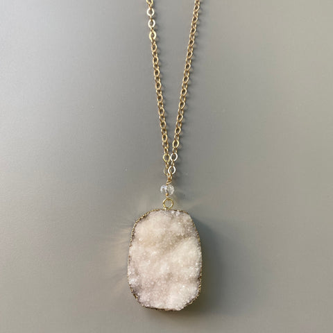 Off-White Druzy Agate Pendant Necklace