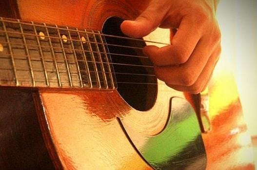 Learning Guitar:  4 Tips that Will Overhaul Your   Guitar Playing