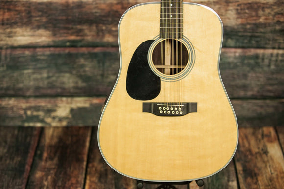 C.F. Martin Guitars Acoustic Guitar Includes a Hard Shell Case Martin Left Handed D28-12 Acoustic 12 String Guitar